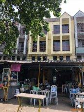 ขายอาคารพาณิชย์ สองคูหาติดกัน ใจกลางสี่แยกนเรศวร ปราจีน-เนินหอม