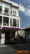 ขายด่วน!  ทาวน์โฮมหรู 3 ชั้น 49 ตรว.  ลีออง สุขุมวิท 62 คุณฐิติมา 099-4262459