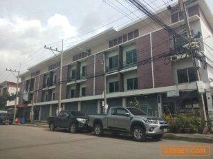 ขายตึกแถว 3 ชั้น อยู่ด้านหน้าโครงการ ทำเลดีที่สุดในหมู่บ้านขจีนุช