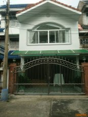 ขายบ้านทาวน์เฮ้าส์ 3 ชั้น ซอยสมเด็จพระปิ่นเกล้า3 บางกอกน้อย กรุงเทพฯ