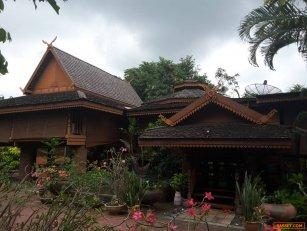ขายบ้านไม้ เป็นบ้านทรงไทยทางเหนือ ทำเลดี จังหวัดนครราชสีมา โทร0921564495