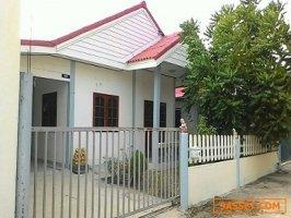 บ้านเดี่ยว เนื้อที่ 50 ตรว. 2 ห้องนอน 1 ห้องน้ำ อ.นิคมพัฒนา จ. ระยอง โทร. 0634156592