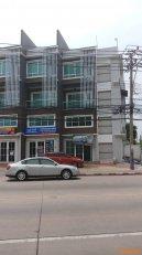 ขายอาคาร4ชั้น สุดยอดทำเลทอง ปากซอยคู้บอน21 โทร 0869923501