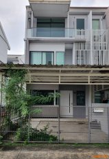 ขาย ทาว์นโฮม 3 ชั้น 3 นอน 3 น้ำ บนที่ดิน 33 ตรว. โครงการบ้านใหม่ 2 ซ.พุทธบูชา 36 ของ Land & House สภาพดีมาก รับประกัน!!!