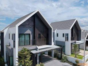 ขายดาวน์ บ้านใหม่ อยู่ในช่วงกำลังก่อสร้าง สวยหรู สไตล์นอดิก ใกล้ ม.แม่โจ้ เชียงใหม่ โทร 088-644-3555