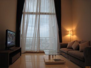 The Empire Place for rent, 2 BR Duplex, 104 sqm, High Floor
