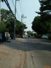 ขายที่ดิน 100 ตรว. ซอยนวลจันทร์ 56 (ถนนโพธิ์สุวรรณ) อยู่ซอยด้านหลังสถานีตำรวจโคกคราม