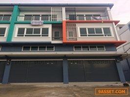 ขายอาคารพาณิชย์สร้างใหม่ ติดถนน ซอย ส้มเกลี้ยง ตรงข้าม ร.ร.เทพศิรินทร์นน