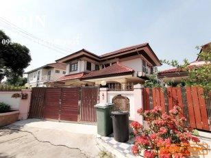 ขายบ้านเดี่ยว พร้อมอยู่ ในหมู่บ้านยิ่งรวยนิเวศน์ ซอย 3 เลียบคลองประปา 095-784-1166 คุณเชอร์รี่