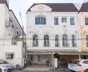 ทาวน์โฮม บ้านกลางกรุง แกรนด์เวียนนา พระราม 3 หลังริม ( Baan Klangkrung Grande Vienna Rama 3 )