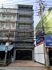 ขายตึกแถว 4 ชั้นครึ่ง ไม่รวมดาดฟ้า ติดถนนสุทธิสารวินิจฉัย ดินแดงกรุงเทพฯ