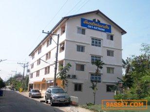 เพิ่มทรัพย์แมนชั่น บริการห้องพักรายวัน 550 - 650 บาท , รายเดือน 2,500 - 3,500.-
