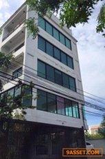 ให้เช่าสำนักงานตึก 4ชั้น พร้อมโกดัง ลาดพร้าว71 พื้นที่ 230  ตรว ใช้สอยจริงประมาณ 1000 ตร.ม จอดรถได้ 20คัน