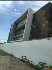 ขายที่ดิน 645 ตรว ถนนเลี่ยงเมืองแจ้งวัฒนะ ปากเกร็ด 24 ใกล้สถานี รถไฟฟ้าสีชมพู กำลังก่อสร้างอยู่  ซ้ายติดบางกอก สตูดิโอ   ขวาติดบริษัท Precise