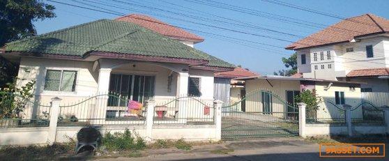 ขายบ้านเดี่ยวอยู่เองไม่ใช่นายหน้า พื้นที่ 98 ตร.ว. มีความเป็นส่วนตัว ตั้งอยู่ ในเมืองอุดรธานี
