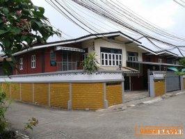71010 ให้เช่าบ้านในตัวเมืองเชียงใหม่ ถนนสามล้าน ซอย 6 ใกล้สวนบวกหาด เชียงใหม่ / House for RENT SamLan soi 6 Road, Near Chiangmai City Park, THAILAND.