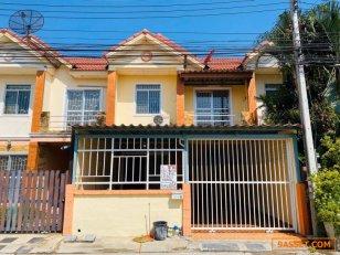 ขายบ้านแฝด 2 ชั้นหมู่บ้านสิวารัตน์ 10 นครปฐม (รหัสทรัพย์ 630015)