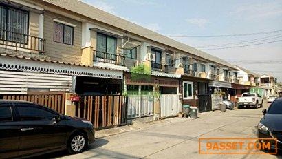 หมู่บ้าน พฤกษา 58/1 ซอย ลาดกระบัง 54 ขายด่วน ทาวน์โฮม 2 ชั้น เนื้อที่ 17.40 ตร.ว ถนน ลาดกระบัง-สุวรรณภูมิ ทำเลดี ราคาไม่แพง