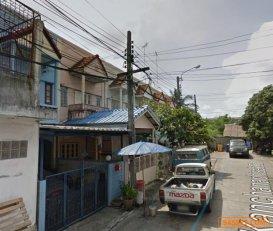 ขาย ทาวน์เฮ้าส์ หมู่บ้าน สุขสันต์ 5 ถนนกาญจนภิเษก ซอย 5 ภาษีเจริญ กรุงเทพ