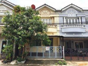 ทาวน์เฮ้าส์ หมู่บ้าน มณีรินทร์ เลค & พาร์ค ถนน 345 ปทุมธานี