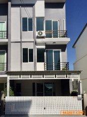 ให้เช่าทาวน์โฮม 3 ชั้น หมู่บ้าน กัสโต้ แกรนด์ รามคำแหง กรุงเทพฯ