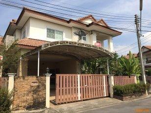 ขายบ้านพร้อมที่ดิน  มี 4 ห้องนอน หมู่บ้านนาราวดี พุทธมณฑลสาย 4 โทร 084-710-9559