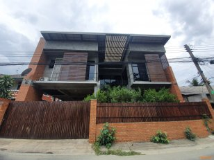House for rent. 2 Storeys, LOFT Style, closed to Chiang Mai Airport, 240 Sqm (54 SQ Wa) Located at Maehea district Locations Closed to Sarawitet Lanna School– 3kms Chiang Mai Airport -7kms Central Airport Chiang Mai -8kms Big C Maehea-3kms