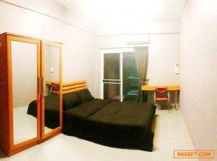 ขายอพาร์ทเมนท์ 6 ชั้น จำนวน 46 ห้อง ขนาด46.5  ตรว ใกล้ ม.เกษตรศาสตร์ (ห้องน้ำในตัว) ห้องออฟฟิศ 1 ห้อง ห้องแม่บ้าน 1 ห้องคนเช่าเต็มตลอดอยู่ในโซนนักศึกษา ฟรี wifi ดิจิตอลทีวี แอร์ ระเบียงทุกห้อง, เตียงนอน, ที่นอน, ตู้เสื้อผ้า, โต๊ะ, เก้าอี้, เครื่องทำน้ำอุ่