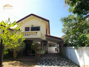 ขายบ้านแฝดหมู่บ้านธัญญธานี พนัสนิคม ชลบุรี บิ้วอินสวย