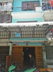 R072-284 ขายตึกแถวสามชั้น ย่านพระราม 3 ราคาถูก พร้อมอยู่ ต่อเติมเต็ม 3 ชั้น
