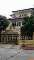 ให้เช่าบ้านเดี่ยว 3 ชั้น หมู่บ้านกรองทอง ศรีนครินทร์ ซอยศรีด่าน 22