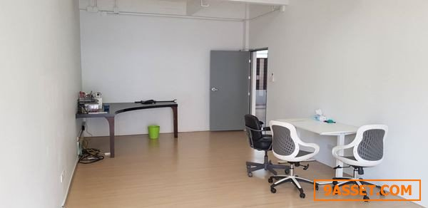 ขายบ้าน โฮมออฟฟิศ อาคารพาณิชย์ ทาวน์อินทาวน์ มีห้องกว่า 10 ห้อง ตกแต่งใหม่ 3ชั้น แนวลอฟท์ พร้อมลิฟท์ที่จอดรถอัตโนมัติ โท 0863212561