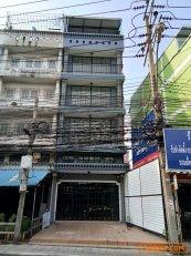 ขายตึกแถว 4 ชั้นครึ่ง ไม่รวมดาดฟ้า ติดถนนสุทธิสารวินิจฉัย ดินแดง กรุงเทพฯ