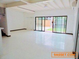 บ้านเดี่ยว 3ห้องนอน พร้อมสนาม ในซอยสุขุมวิท For Rent Single house 3Bed  with garden for residence