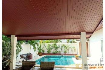 Spacious Pool Villa on Pratumnak Hill Pattaya near the Beach for Sale