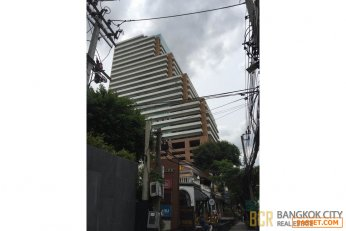 Prime Location High Floor Spacious Office in Ekkamai for Rent/Sale