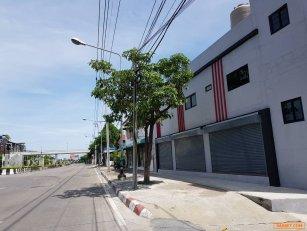 อพาร์ทเม้นท์ให้เช่า 3,500 บาท ติดถนนใหญ่ ถนนเกษตรนวมินทร์ ตรงหัวมุมซอยนวลจันทร์3