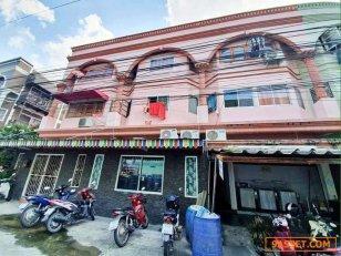 ขายถูกอาคาร 3 คูหา 3ชั้น ถนนพัทยากลาง ซอยศิลปบรรณ ติดห้างฮาร์เบอร์มอลพัทยา ราคา 13,500,000 บาท(ต่อลองได้) โทร.095-7895835