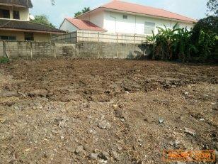 ขายที่ดินเปล่า 50ตารางวา  ในหมู่บ้านโกลเด้นเพลส  วัชรพล ใกล้5 แยกวัชรพล