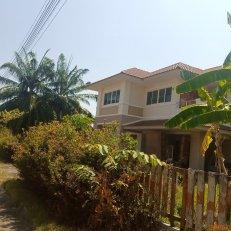 ขายบ้านเดี่ยว 2 ชั้น (เนื้อที่ 224 ตรว. หมู่บ้านพิมานชล ริมบึงแก่นนคร)