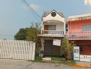 ขายบ้านถูกลด3แสน ทาวน์เฮ้าส์ 2 ชั้น ติดถนน ใกล้อ่างเก็บน้ำบางพระ ต.บางพระ อ.ศรีราชา จ.ชลบุรี