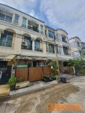 ขาย ทาวน์โฮม3 ชั้น บ้านกลางเมือง พระราม9 ใกล้สถานีหัวหมาก เนื้อที่ 22 ตารางวา 3 ห้องนอน 4 ห้องน้ำ