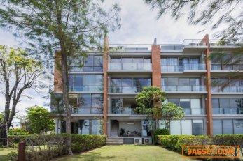 ขายบ้านติดทะเล Pool Villa Sandbox beachfront villa 3 นอน 6 น้ำ มีสระว่ายน้ำอยู่ชั้นดาดฟ้า หาดกระทิงลาย นาเกลือ Pattaya