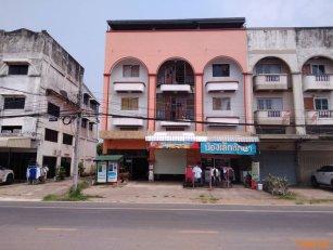 ขายอาคารพาณิชย์ 3 คูหา ถนนเทศาประดิษฐ์ ด้านล่างทำร้านซักผ้า ด้านบนเป็นห้องแบ่งเช่า