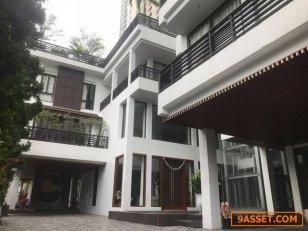 บ้านเดี่ยว 4ชั้นพร้อมดาดฟ้า ซอยโรจนา (300 เมตรจาก MRT เพชรบุรี) 261 ตารางวา
